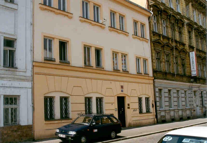 Rekonstrukce budovy, Bubenská 49, Praha 7