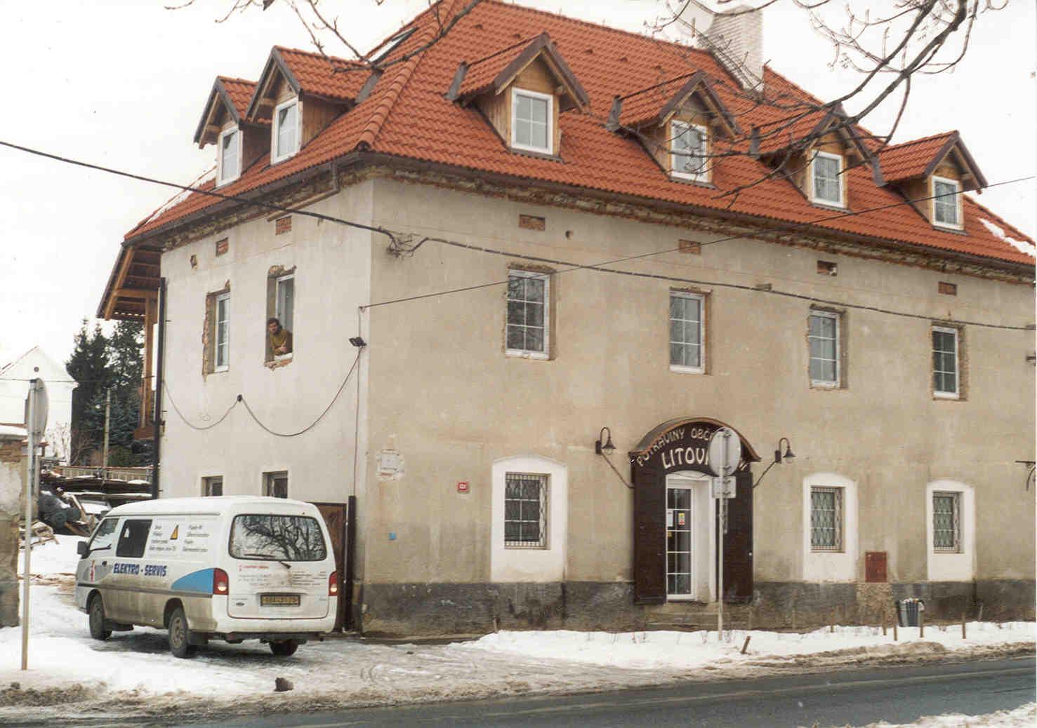 Rekonstrukce budovy a prodejny Litovky v Hostivicích